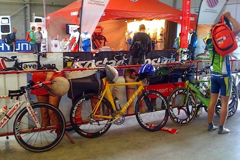 persoonlijke-ervaringen - Antwerp Ironman 1 945x630 - Antwerp Ironman 70.3 - Groot feest met zwarte vlaggetjes - raceverslag, ironman, internationaal, Charles, antwerpen
