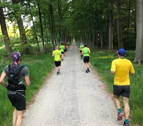 algemeen - Running 15 meter 480x423 - Trainingen worden op gepaste wijze weer opgestart! - Zwemmen, triathlon training, trainen, Hardlopen, Fietsen, COVID-19, Corona
