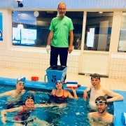 competitie - UHTT Basiscursus zwemmen 180x180 - UHTT maakt kans op unieke 'Super Promotie' op bijzondere finaledag Teamcompetitie - triathlon, Nederland, Marco, Jorrit, competitie, Charles, Bart, 2018