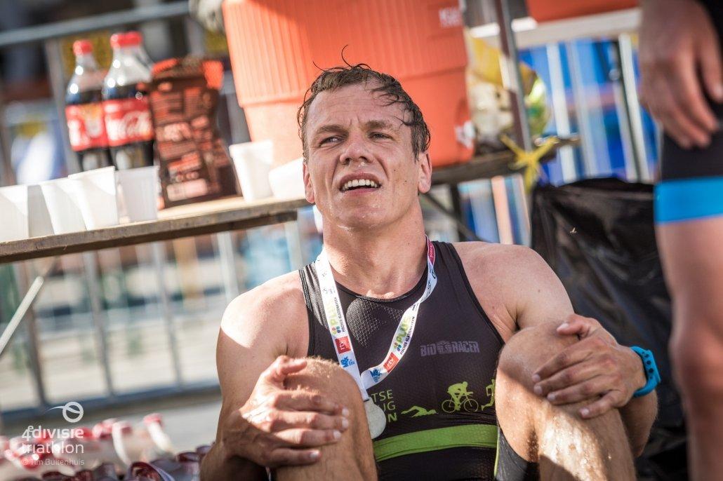 competitie - UHTTer Jorrit heeft alles gegeven voor de winst in Klazienaveen 1030x686 - UHTT maakt kans op unieke 'Super Promotie' op bijzondere finaledag Teamcompetitie - triathlon, Nederland, Marco, Jorrit, competitie, Charles, Bart, 2018