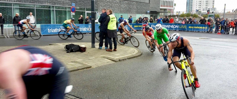 persoonlijke-ervaringen - WK Triathlon Rotterdam Fietsers 1500x630 - Inspiratie opdoen bij het WK Triathlon in Rotterdam - raceverslag, internationaal, competitie